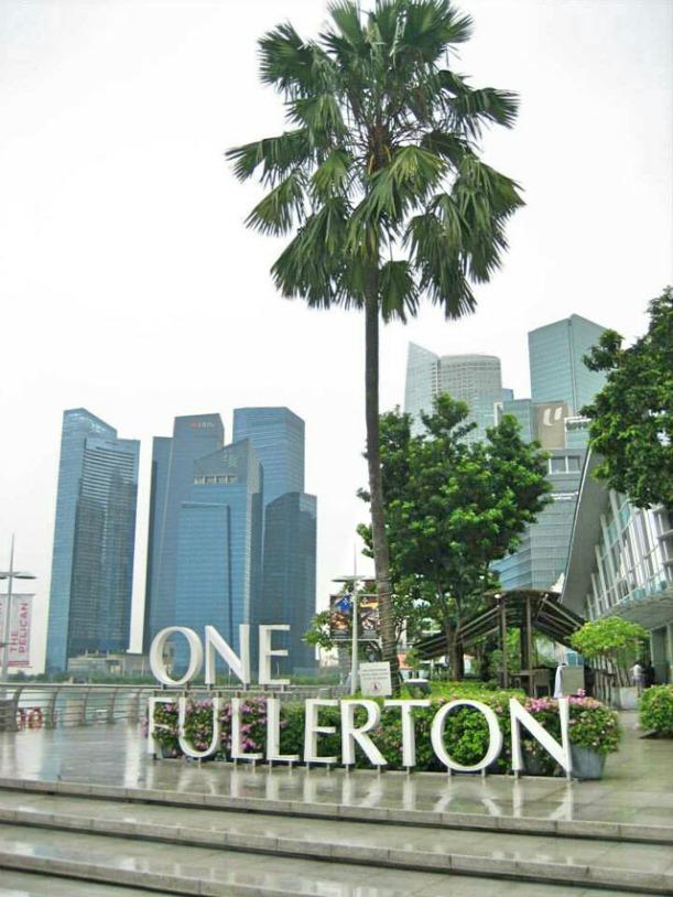 Singapore_MarinaBay_fullerton